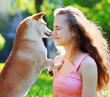 shiba inu and women owner